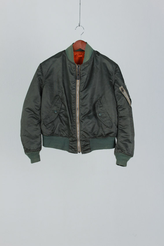 ALPHA INDUSTRIES MA-1 Jacket (L)